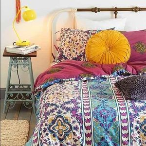 Urban outfitters queen duvet cover
